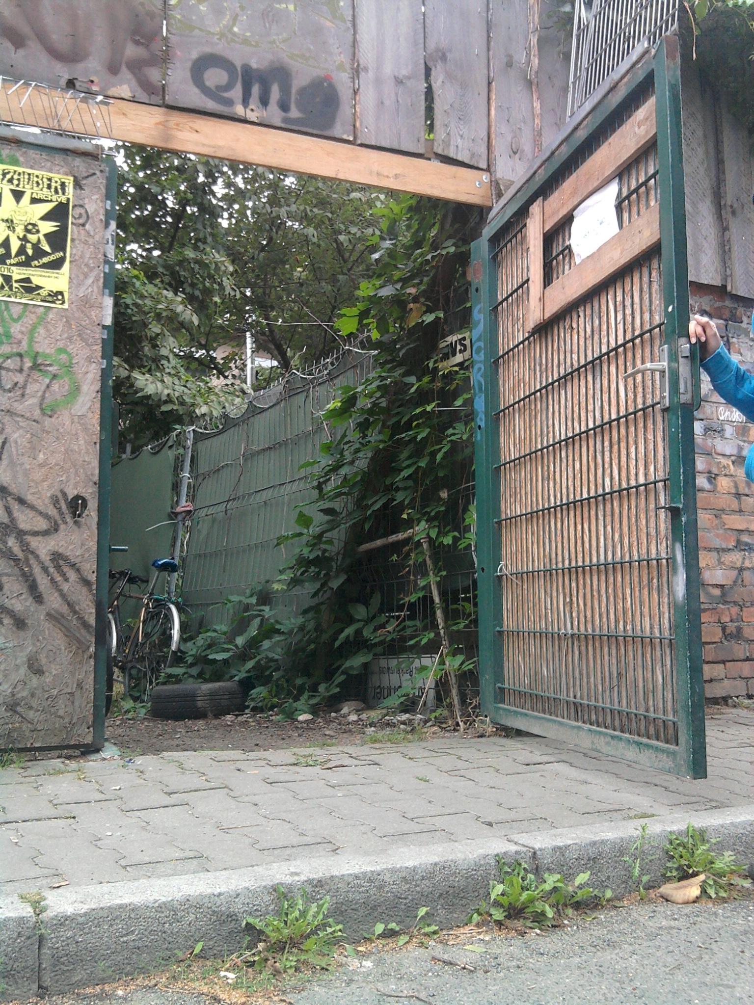 REH door